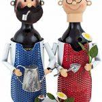 BRUBAKER Porte-bouteille de vin - Couple dans jardin / Jardiniers - Métal - Carte de vœux incluse - Idée cadeau originale - Objet décoratif de la marque Brubaker image 1 produit
